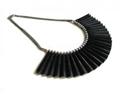 Nelly Necklace Black