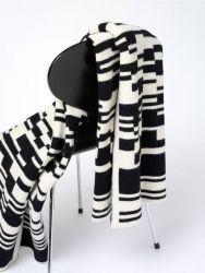 Bar-code 2D Blanket Black