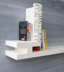 Typografisches Bücherregal