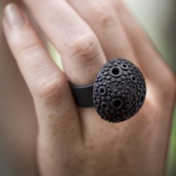 Textured dome ring - Black