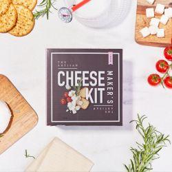 Die Ausrüstung für den Käsehersteller
