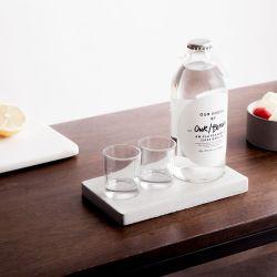 Unser/Berliner Wodka + 2 Schnapsgläser + Tablett
