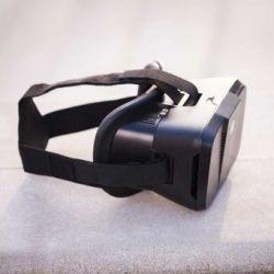 IRIS Virtual Reality Goggles