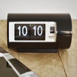 Flip Clock AP28 | Black