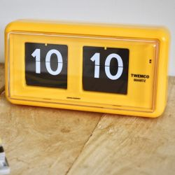 Flip Clock QT30 | Yellow