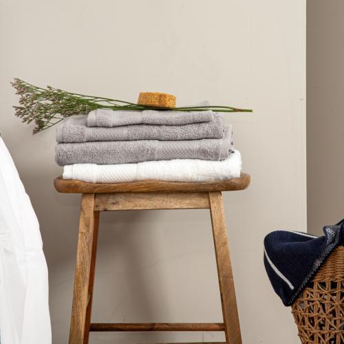 L'Officiel Interiors & Ted Lapidus Home   Kuschelweich: Premium-Textilien