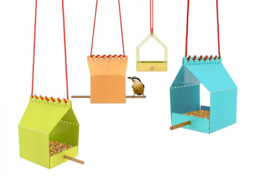 One Hundred | Clever Bird Feeder