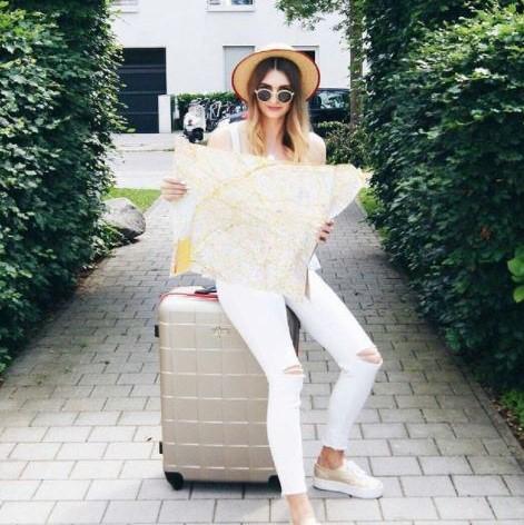 F23   Trendsicher unterwegs: Moderne Reisekoffer