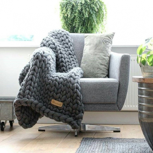 Allerwarmst | Hand-knitted Plaids and Wall Hangers