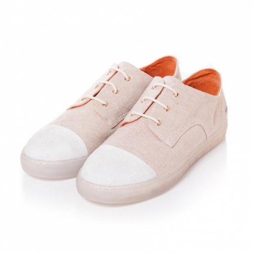 Gram | Sophisticated Sneakers