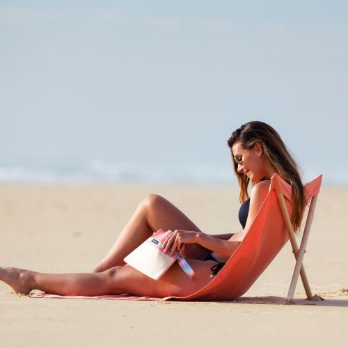Simone et Georges | Raffinierte Strandausrüstung