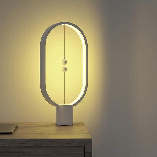 Allocacoc   Ein & aus per Kugel: Erstaunliche Designerlampe