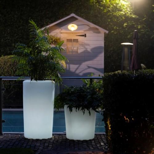 Valiente   Coole Outdoor-Essentials: Blumentöpfe & Getränkekühler