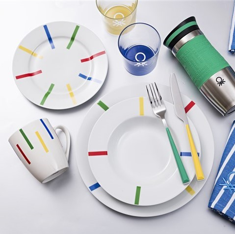 United Colors of Benetton   Accessoires als Farbtupfer für Tisch & Küche