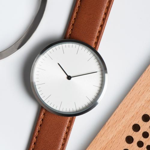 Auteur | Personalised Minimalist Timepieces