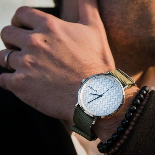 GMTRY | Watches To Stand out in the Urban Crowd