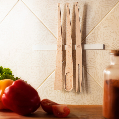 Leis   Schlichte Küchenutensilien aus Buchenholz