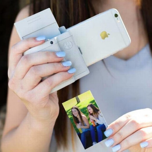 Prynt | From Smartphone to Instant Camera