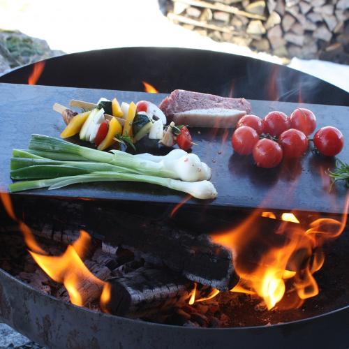 Raumgestalt   Auflegen & genießen: Teppanyaki-Grillplatte