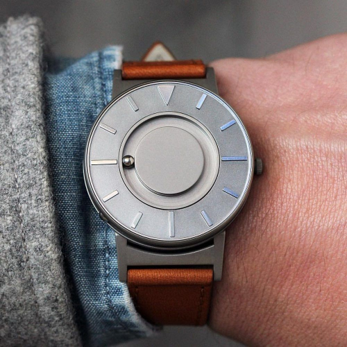 Eone | Bradley Watch: Telling Time Differently