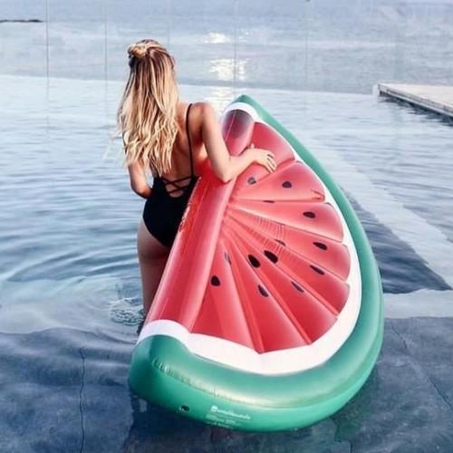 Swim essentials | Das coolste Pool-Spielzeug ALLER ZEITEN