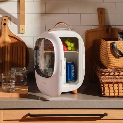 Baseus   Echt cool! Tagbarer Mini-Kühlschrank
