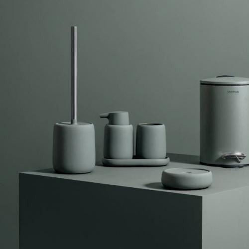 blomus | Schlicht & stilvoll: Minimalistische Badezimmer-Basics
