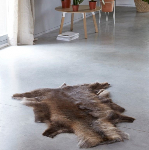 Breazz | Cosy rugs & chairs