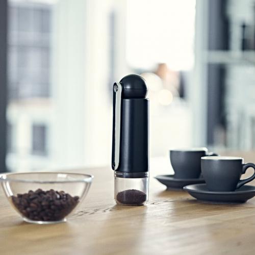 CrushGrind | Kompakte Kaffee- & Gewürzmühlen