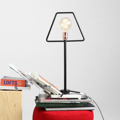 CustomForm | Monochrome lighting