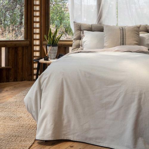 Calma House | Spanische Qualitätstextilien für Bett & Sofa