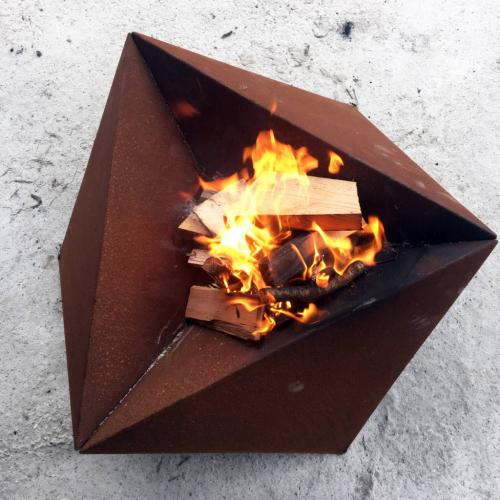 STRAFF DESIGN | Fractal Fire Pit