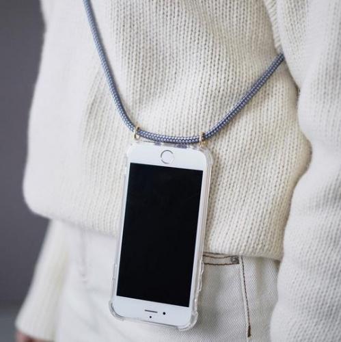 KNOK | Freie Handhabe: Praktische iPhone-Hüllen für unterwegs