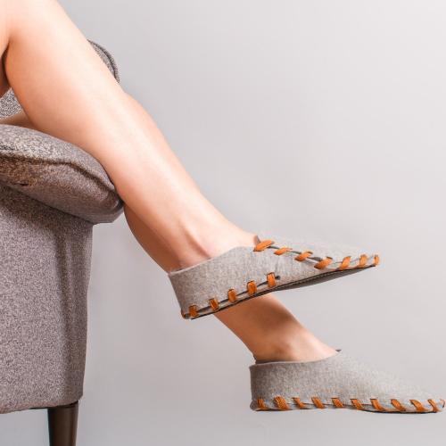 Lasso | DIY Slippers