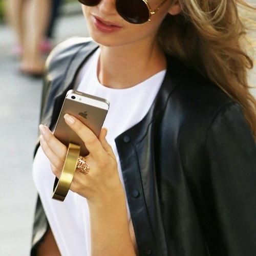 Q Bracelet | Phone Charging Bracelet