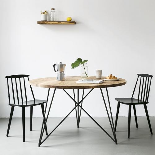 NUTSANDWOODS | Ikonische Möbel aus Eiche & Eisen
