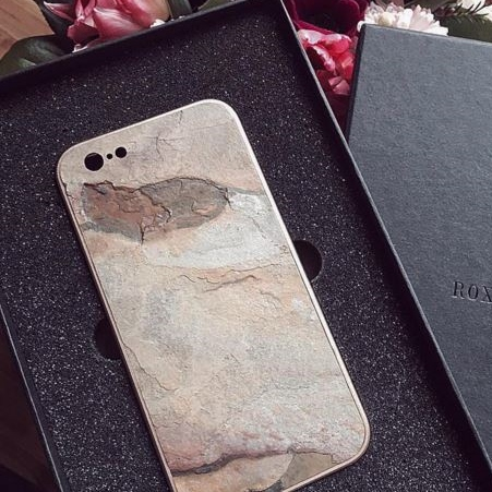 Roxxlyn | Natural Stone Technology Cases