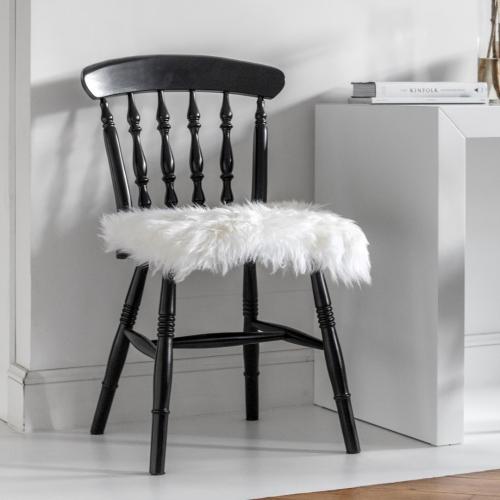 Royal Dream | Luxuriöse Teppiche & Kissen aus Wolle