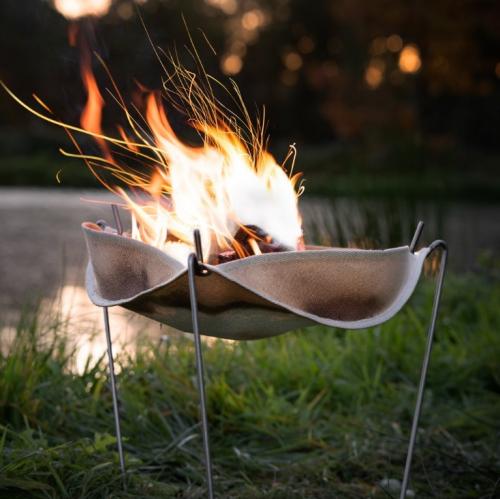 STOOQ | Federleichter Feuerkorb aus Quarz