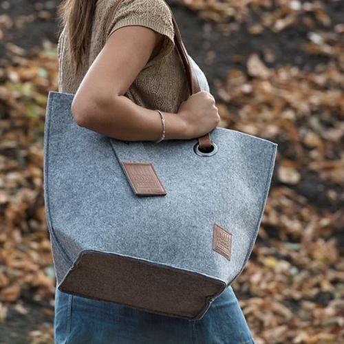Knit Factory | Stylishe Premium-Taschen zum kleinen Preis