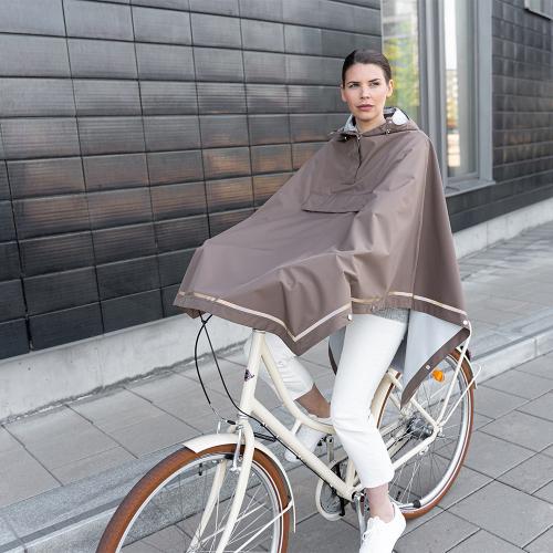 Weathergoods   Autumn essential: stylish ponchos