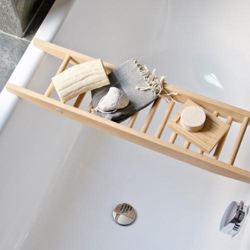 Wireworks | Einfach edel: Schlichte Badutensilien aus Holz
